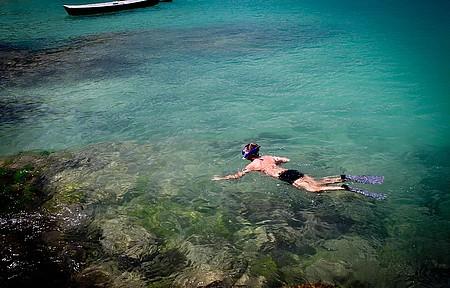 Máscara e snorkel sao ítens indispensáveis no balneário