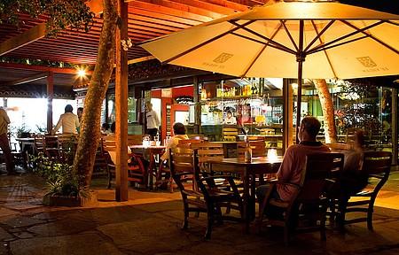 Bar do Mangue é uma das opções no Porto da Barra