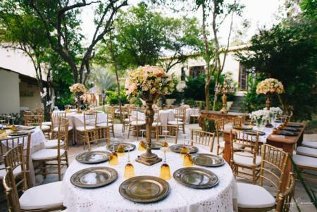 Festa acontece em meio aos jardins da Pousada Le Village