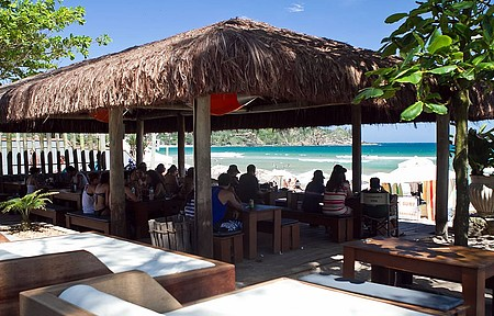 Fishbone Café tem lanches saudáveis e com vista para o mar